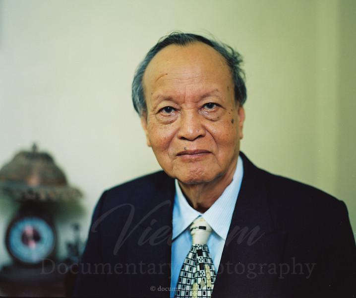 Đỗ Xuân Hà, professor