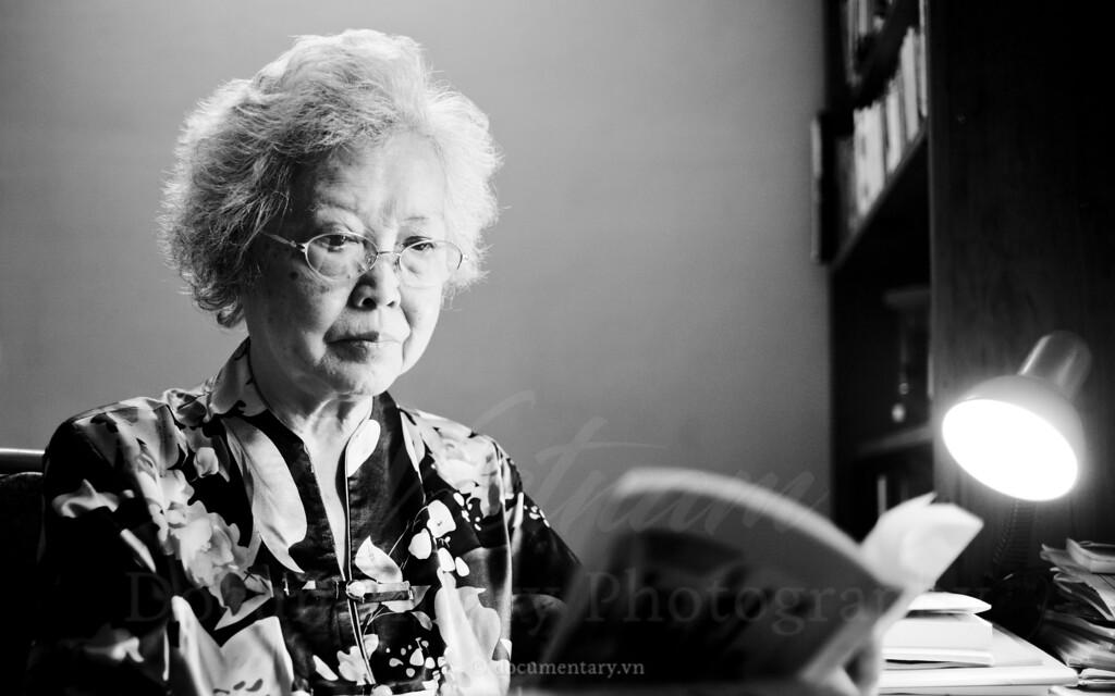 Hoang Thi Chau, professor