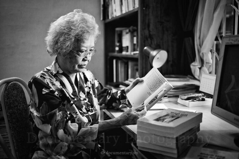 Hoàng Thị Châu, professor