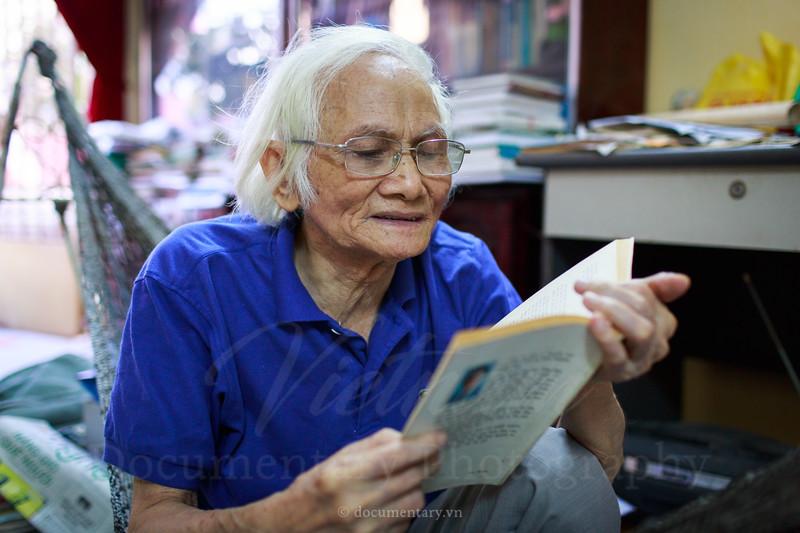 Nguyễn Lai, professor