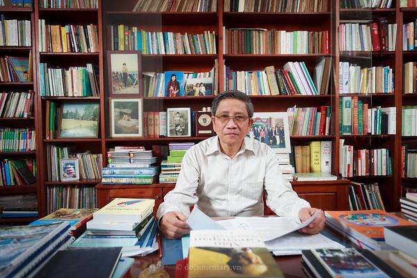 Nguyen Minh Thuyet, professor