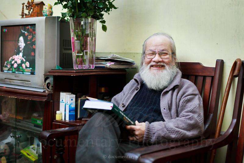 Nguyễn Thừa Hỷ, professor