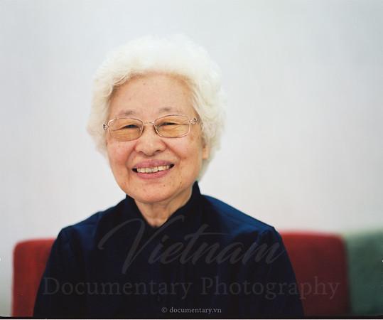 Phạm Thị Tâm, professor