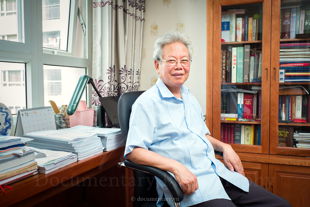 Phạm Xuân Hằng, professor