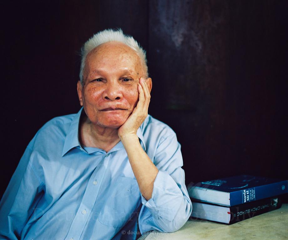 Phan Đại Doãn, professor