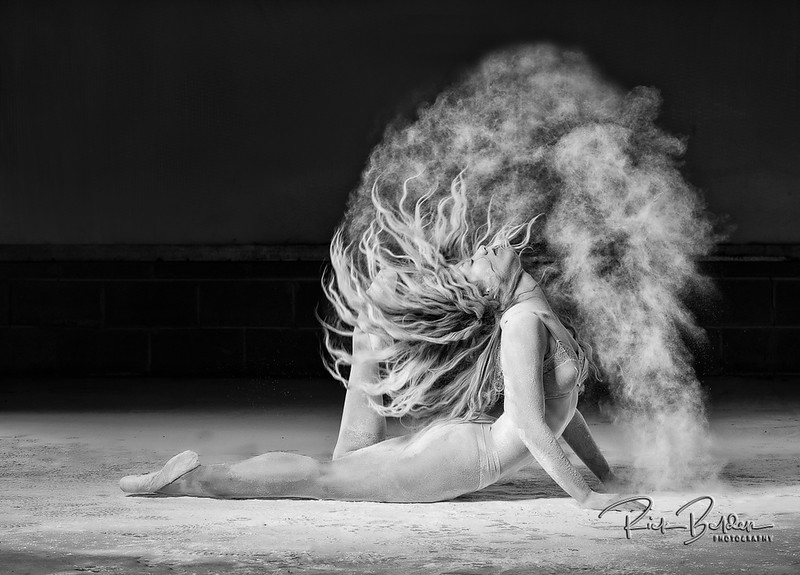 I really love the unique look that is created when you combine Powder with a great Dancer.  Photos with Ballet Dancer  @poppyseed_dancer    Outfit by: @trueandco   .......................................................