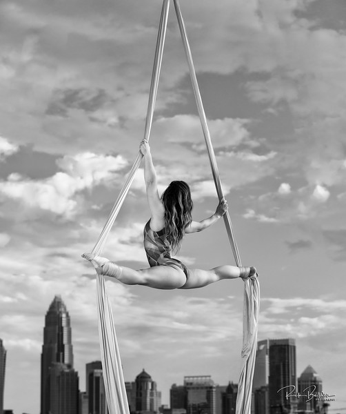 Every image we created showcases great strength, art and beauty.   Aerialists are dynamic to photograph!  ........................................  Copyright:  @rickbeldenphotography  Model/Performer:   @sarahritchy  Assistant:  @savshotz Location:  @campnorthend ............................................................
