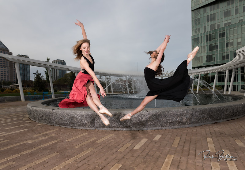 It is ridiculous how easy they make these moves look!   Shots taken around dowtown Charlotte.  These Beutfiful Ballerinas were amazing to create ART with!        .............................................. Dancers:  @tiffmako  and @Traceface_m   .........  Photographer: @RickBeldenPhotography  .........  Association:  @UNCCDance and @CLTBallet   ..................................................