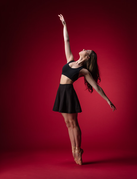 So much fun to create with this talented Dancer.  Beautiful Ballerina @tiffmako  back in my studio.   ........... Affiliation:  @UNCCDance and @CLTBallet ......... Outfit: @lululemon  @Grishkoworld  ...............................................................................................