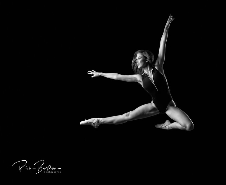 Had the privilege to work with this Beautiful Ballerina Tiffany in my studio this week.   She was amazing to create ART with!        ....  ......   ..... Dancer:  @tiffmako   .....   ......  Association:  @UNCCDance and @CLTBallet   ......    ......