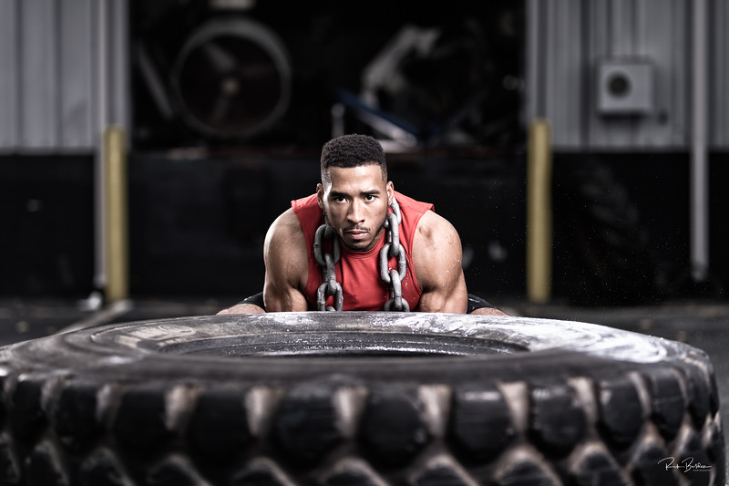 A promtional photoshoot of my friend and Personal Trainer extroidinarire Vinson Smith.  Google his name and learn about his amazing fitness journey going from over 500lbs to an incredible lean 240!  @VinsonCLT  @UnderArmour  ....