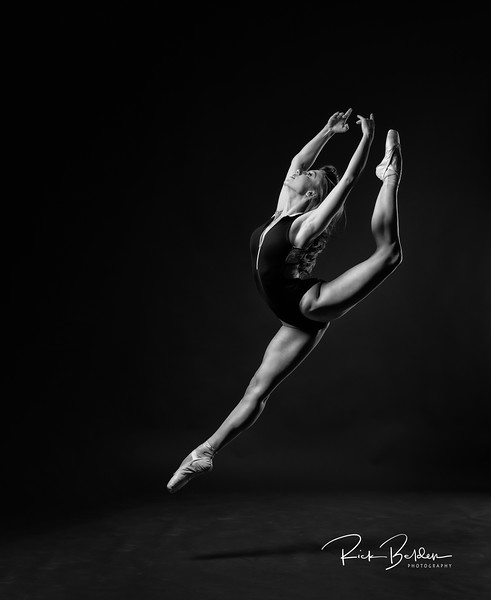 Worked with this Beautiful Ballerina Tiffany in my studio this morning.   Was amazing creating ART with her!        ....  ......   ..... Dancer:  @tiffmako   .....   ......  Association:  @UNCCDance and @CLTBallet   ......    ......