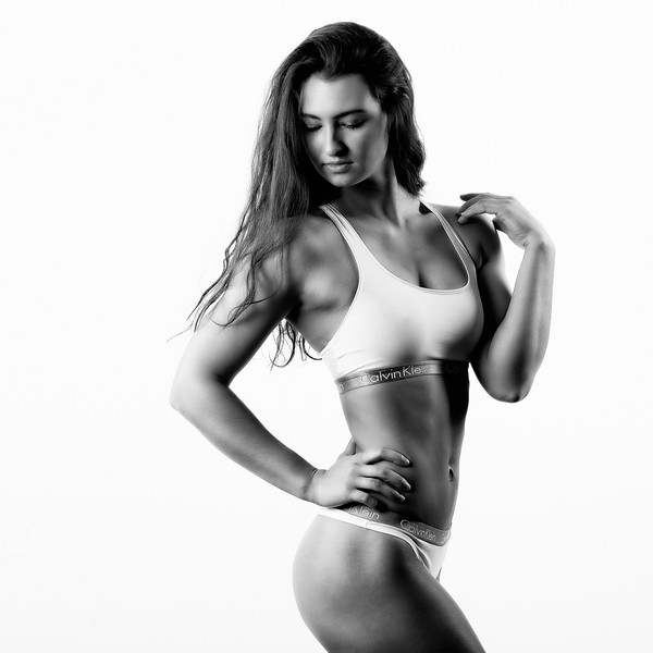 Looking for some additional Fitness Athlete/Models to collaborate with.  DM me if interested.  Throw back to a shoot from a few years ago featuring my friend Ms. Kyleigh.  .  ..........................................        Athlete/Model:  @kyleighbishop   Clothing:  @calvinklein  ..............................................