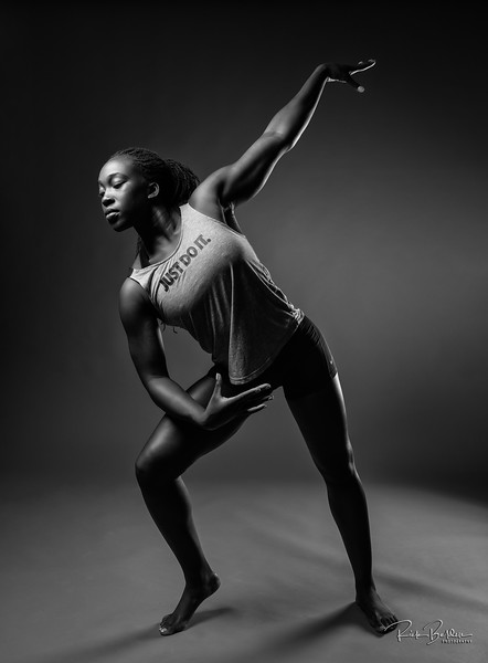 Its no secret I love creating with Strong Women...and here is yet another.  North Carolina  Gymnastics and Track Champion   Ms. @sieway.hunt  This is a perfect Athlete for Nike to sponsor!!        ....................................    Photocopyright:  @rickbeldenphotography Clothing by:  @nike @nikewomen @nikesportswear  ......................................................