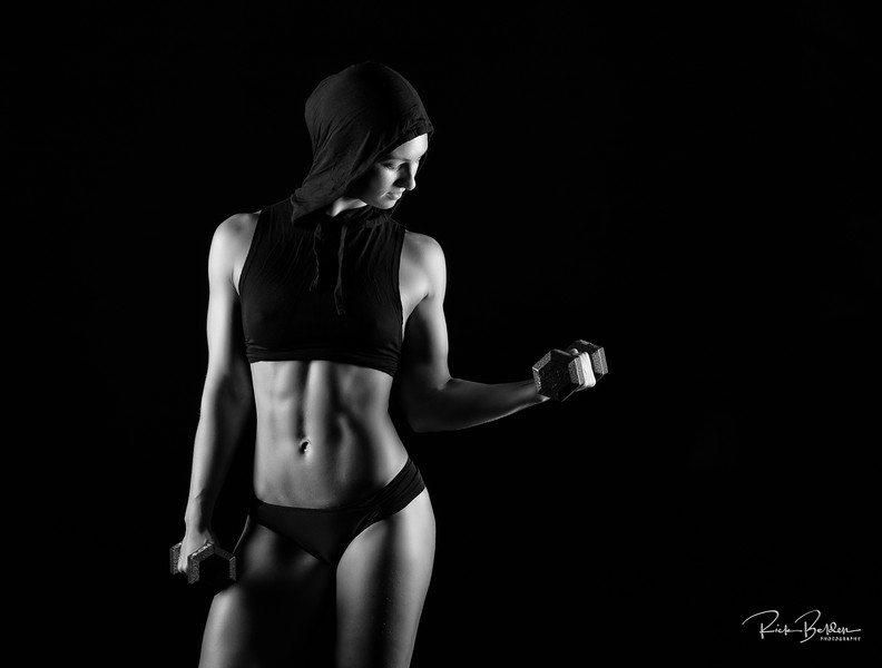Strong Females are definitely one of my favorite subjects to photograph.   Photoshoot in my studi with Fitness Athlete Kyleigh.   ....  ......   ..... Model:  @KyleighBishop .........   .........  .....  @Girls.of.Fitness @KillerPhysiques  ......   ......    ......