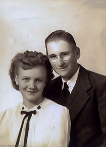 Edith and Rex Avera in 1944