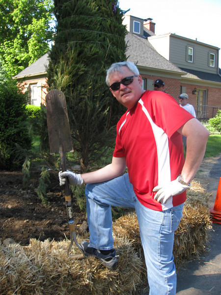 Eli Lilly Day of Service at the Govenor's Mansion.