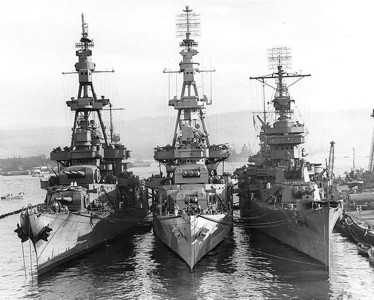 Heavy cruiser Pensacola in the middle at Pearl