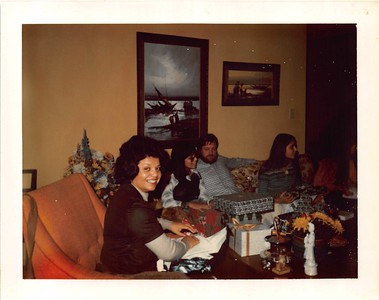 1970s xmas in MV with Mom- Kathie- Joel- and Mich