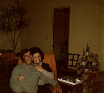 1970s-mom-dad-living-room-holidays