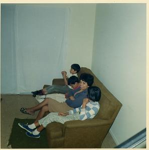 1967-01-mv-den-couch-joe-matt-mom-mich