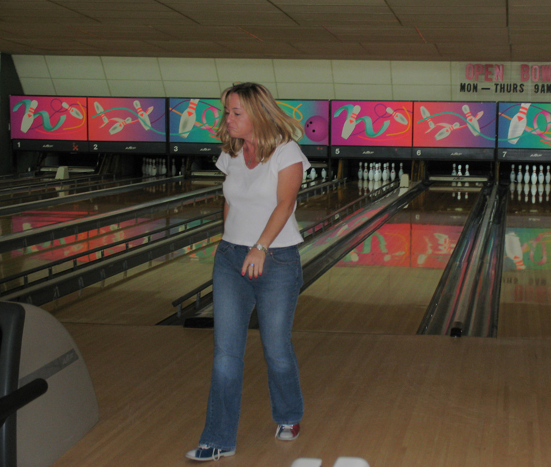Gina failing to pick up the spare!  August 2005