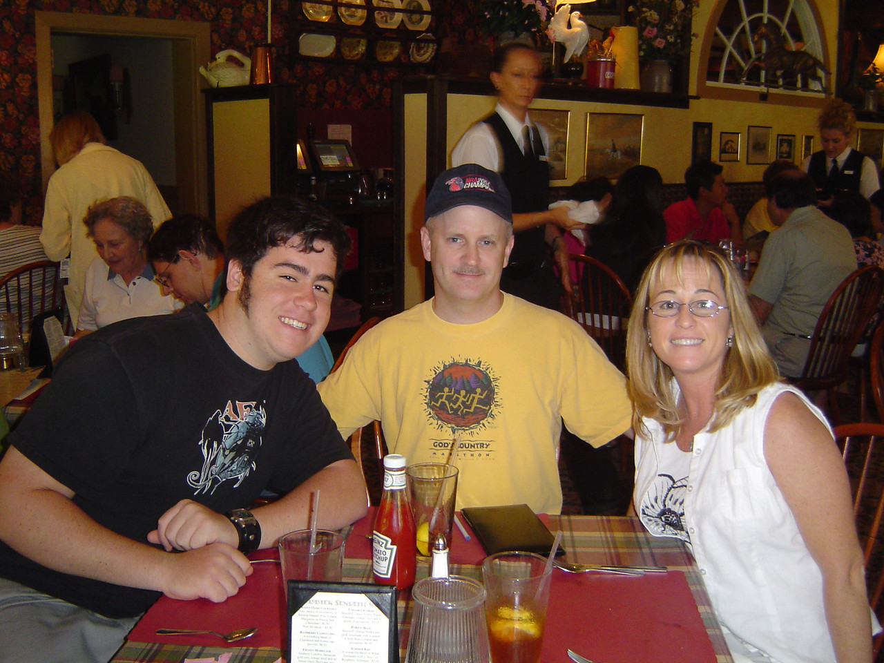 Eating out in Lambertville, New Jersey - August 2005