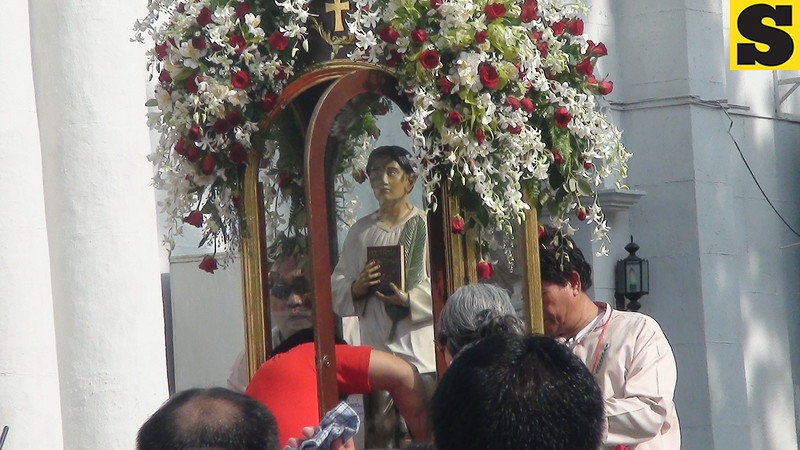 Pedro Calungsod's official image is being readied for his transfer to Rome for his canonization on October 21, 2012. This photo was taken outside the Cebu Cathedral. (Sunnex)