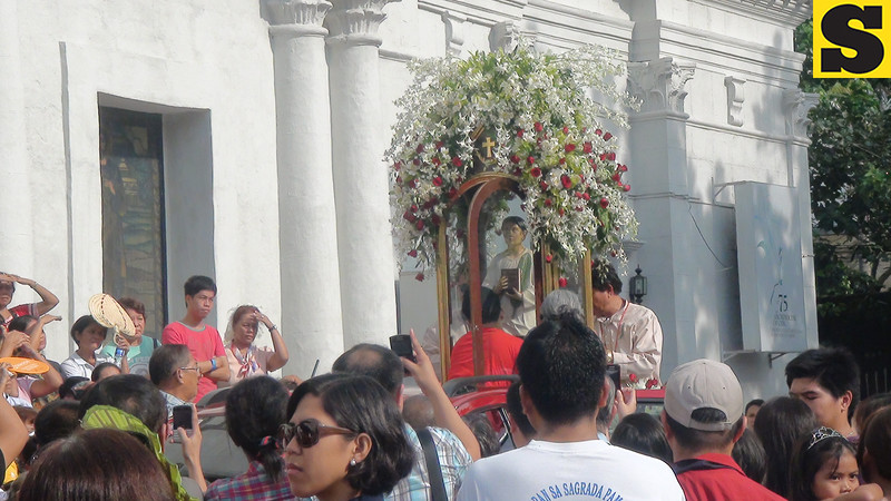 Pedro Calungsod image is being readied for his transfer from the Cebu Cathedral to the Mactan-Airport International Airport where a flight to Rome is waiting. (Sunnex)