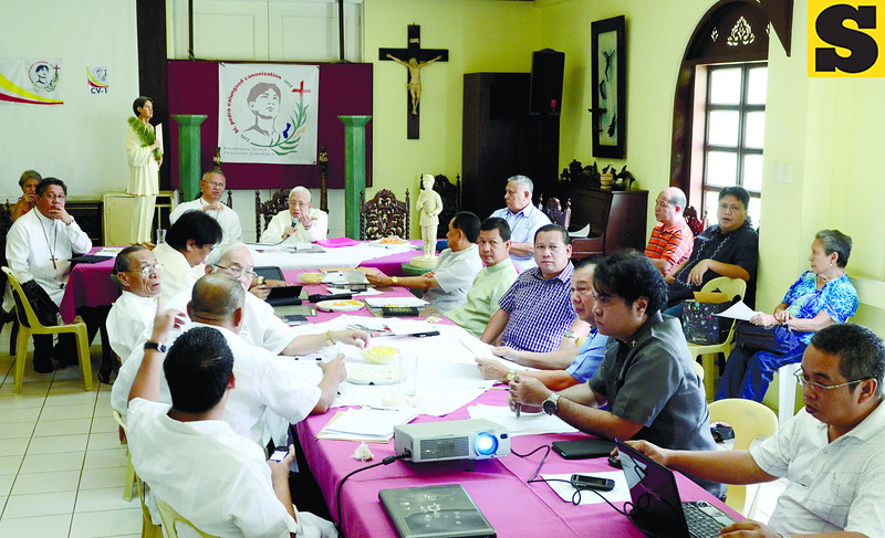 Committee members composed of priests, bishops and archbishops led by His Eminence Ricardo Cardinal Vidal (background, 3rd from left) and Cebu's Archbishop Jose Palma (background, 2nd from left) met at the Archbishop Palace for the 100-day countdown, which start July 14, 2012 before the Church declares sainthood on Blessed Pedro Calungsod.(Sun.Star Photo/Amper Campaña)