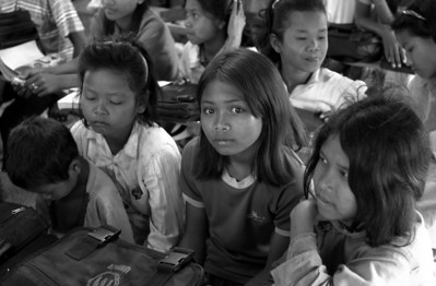 School near Trapeang Prasat - 2000