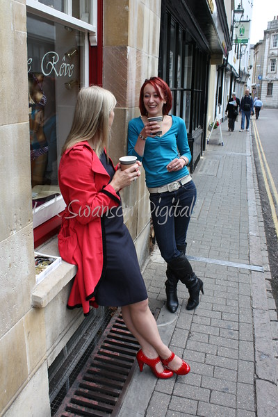 Coffee break on Bene't Street.<br /> Thanks Girls for letting me take this one.