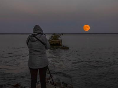Shootin' The Moon 2021