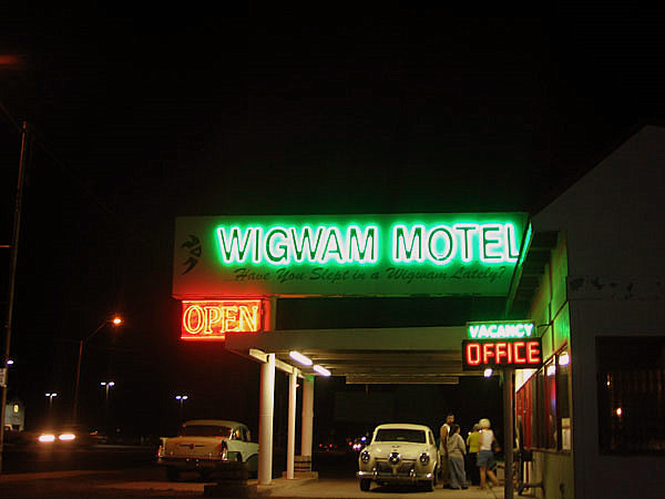 Wigwam Motel at night
