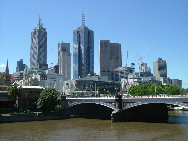 2004-11-12 Melbourne, Australia. View of the city center from Southgate, overlooking the muddy Yarra River. It's not dirty, just muddy.