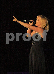 Kelly Clarkson 8773c