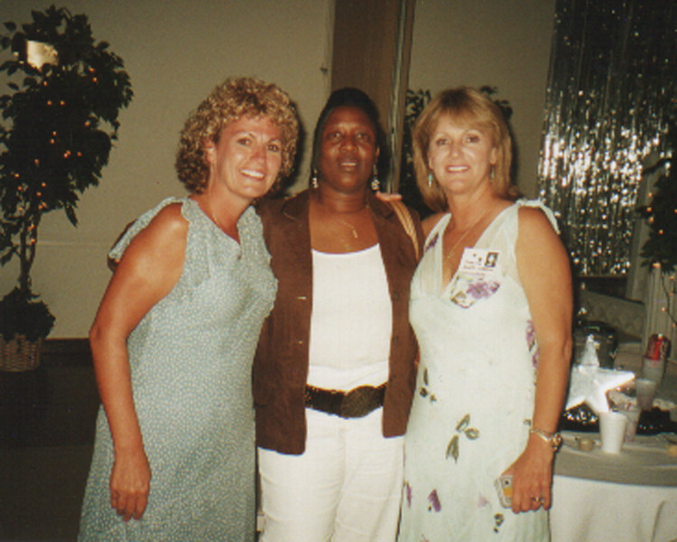 Jeannie Tobin Scruggs, Sandra Davis and Juanita Allen Gordon at Saturday night's dance