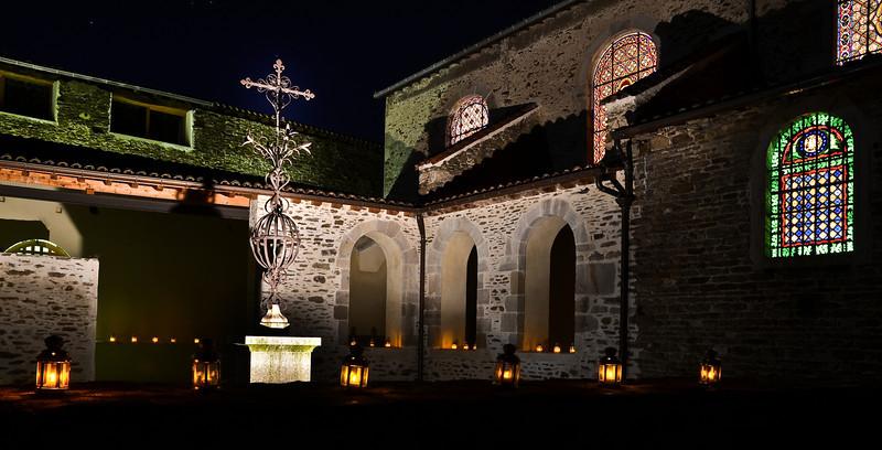 """Le"""" petit cloître"""", site La Chartreuse de Sainte Croix en Jarez (42800), Saint Etienne Tourisme.<br /> <br /> Cliché destiné à la réalisation du """"flyer"""" des animations de la saison culturelle 2012."""