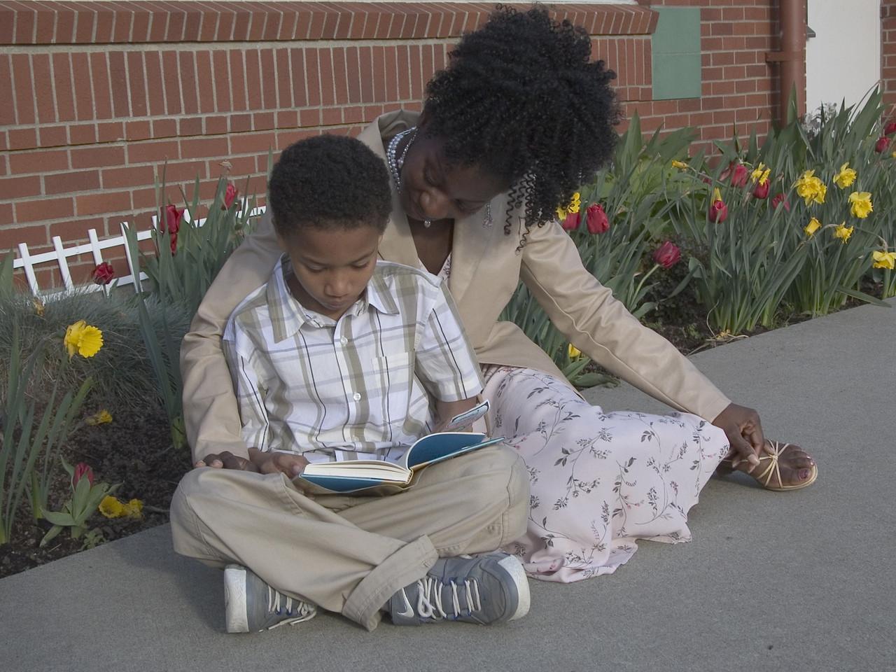 ellen and son reading