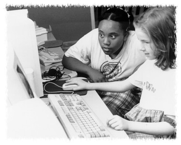 two_girls_computer