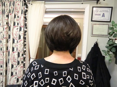 graduated bob with texturizing (notched thinning shears)