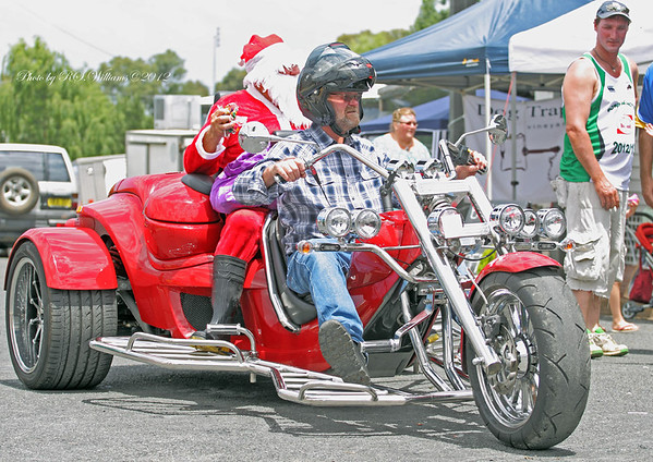 Santa at Bowning driven by Wayne Sainsbury.