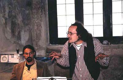 sobota odpoledne - vystoupení Popelnytzova divadla - recitace básní Christiana Morgensterna