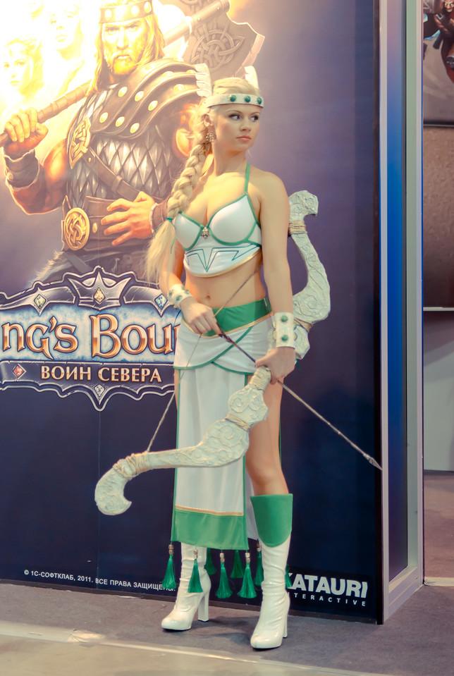 Kings Bounty girl at Igromir 2011