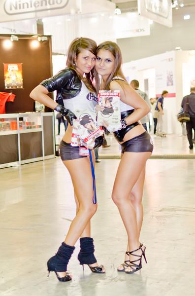 Ritmix girls at Igromir 2011