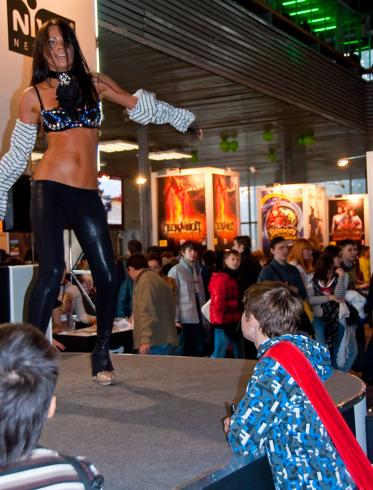 Astrum Nival girl at Igromir 2009