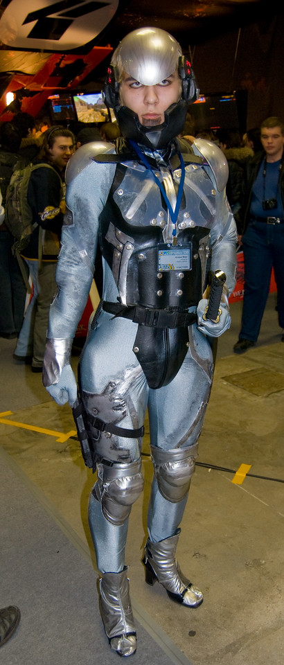Raiden (MGS4) girl on Igromir 2008