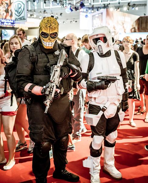 Cosplayers at Gamescom 2015