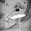 dance_bw052