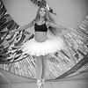 dance_bw054